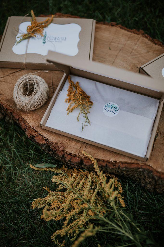 pakowanie odbitek pudełka na odbitki diy fotograf