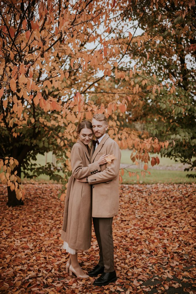 plener jesienna sesja ślubna powsin ogród botaniczny