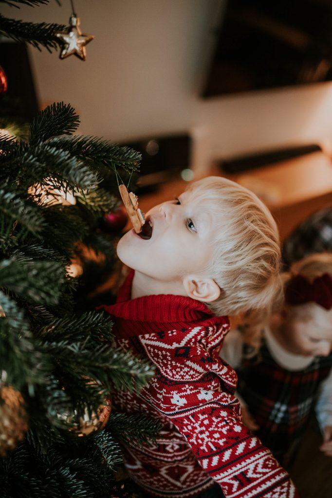 sesja świąteczna boże narodzenie ubieranie choinki warszawa