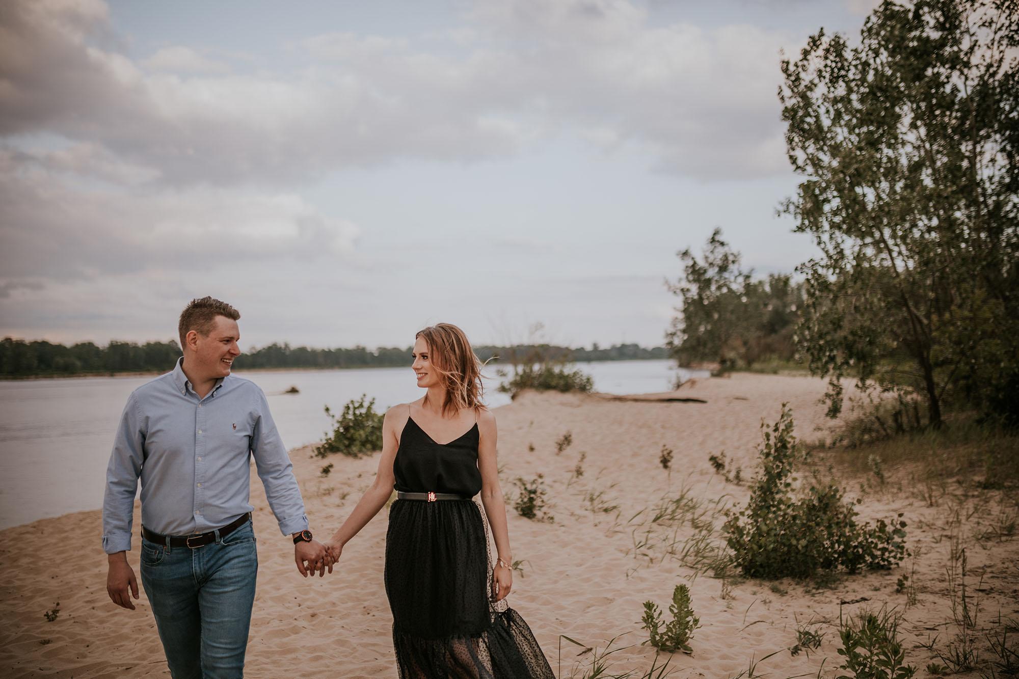 sesja narzeczeńska na plaży Warszawa